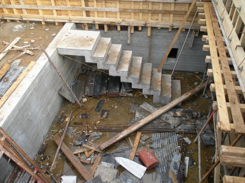 Two Family House, Ippokrateios Politeia, Athens-Concrete stairs